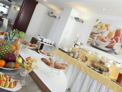 imperial-hotel-bologna-breakfast-02