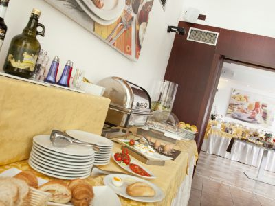 imperial-hotel-bologna-breakfast-07