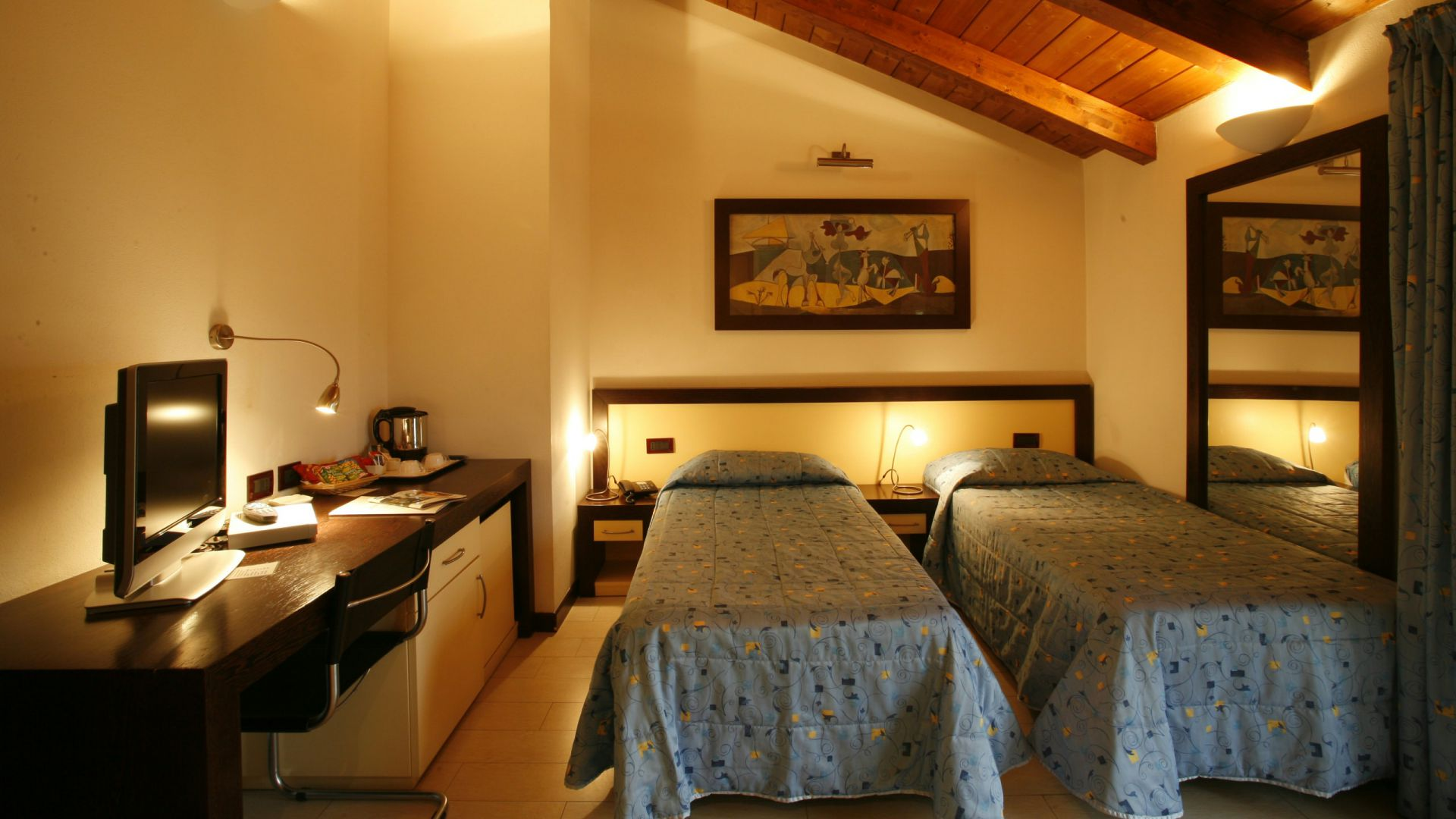 imperial-hotel-bologna-room-07