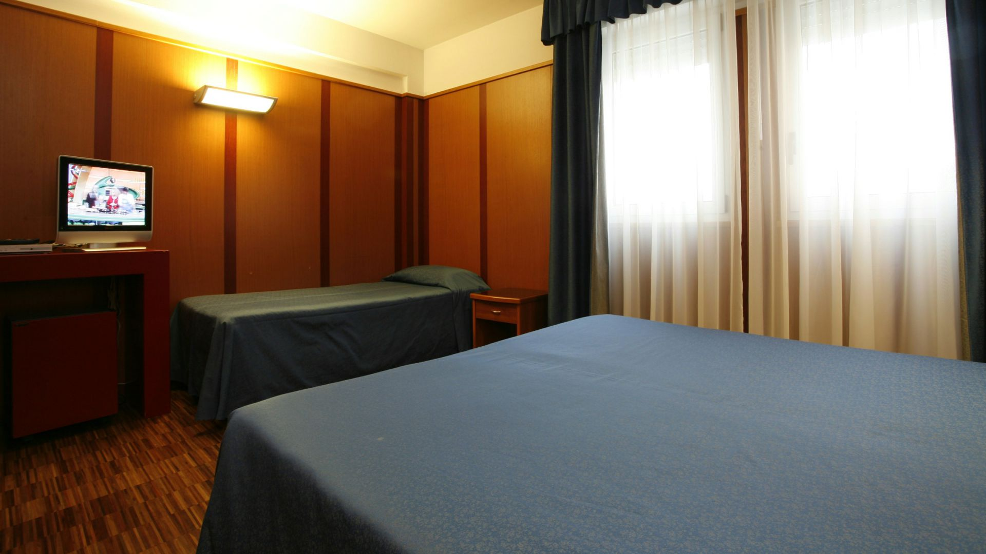 imperial-hotel-bologna-room-08