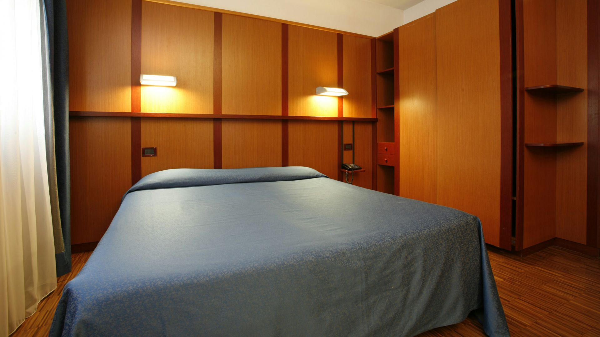 imperial-hotel-bologna-room-06