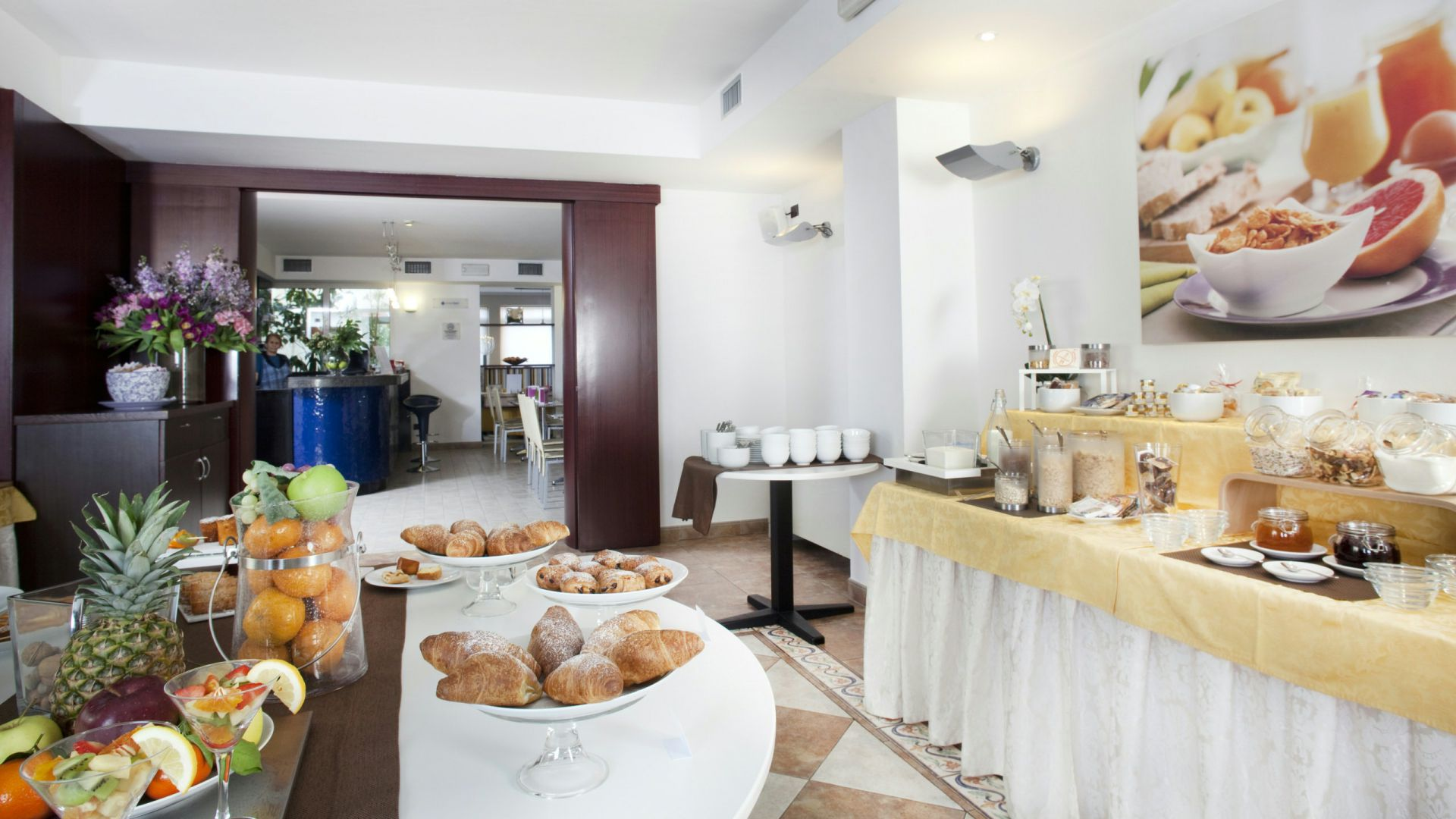 imperial-hotel-bologna-breakfast-08